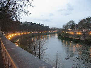Lungotevere - Lungotevere Aventino (left) and Lungotevere Ripa (right)