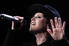 The Cranberries, Enmore Theatre (6871311538).jpg
