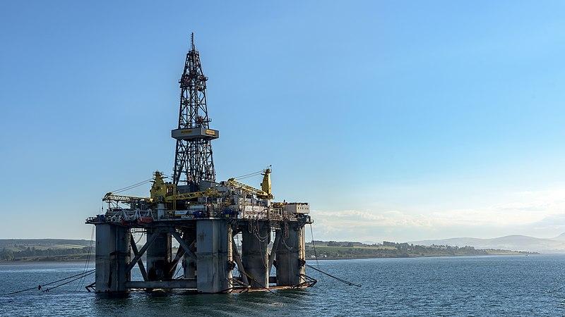 File:The WilPhoenix Offshore Oil Rig (43258021631).jpg