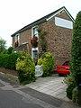 Tichbourne Cottage, Petlands Gardens - geograph.org.uk - 541689.jpg