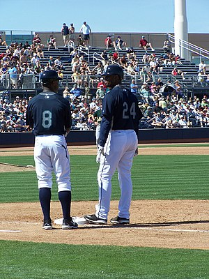 Lee Tinsley - Tinsley talking to Ken Griffey Jr.