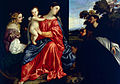 Tiziano, Madonna con il bambino (1505) oil on table.jpg