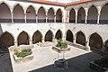 Tomar-Convento de Cristo-Claustro da lavagem-Patio-20140914.jpg