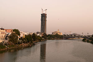 Torre Sevilla under construction.jpg
