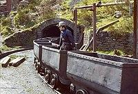 Train berlines Villaseca avril 1983-i.jpg
