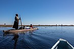 Travesía del delta del Okavango en makoro, Botsuana, 2018-07-31, DD 07.jpg