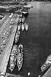 USS Bennington (CVS-20) with destroyers at Pearl Harbor in 1962.jpg