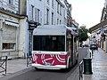 Un bus LEO rue du Temple à Auxerre (octobre 2020).jpg