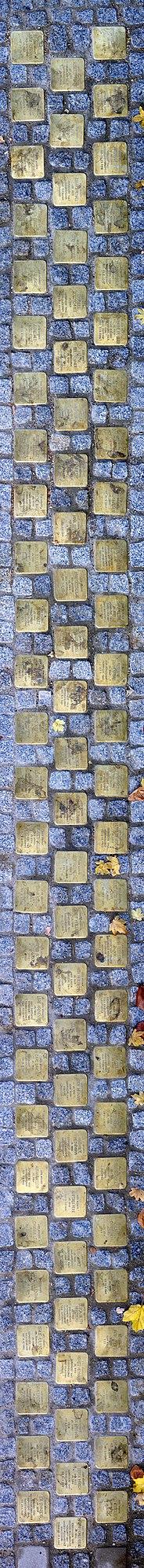 81 Stolpersteine Mozartstrasse links vom Eingang des St. Bonifatius Wohn- und Pflegeheims