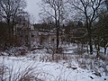 Včelní Hrádek, rybníček a budova (01).jpg