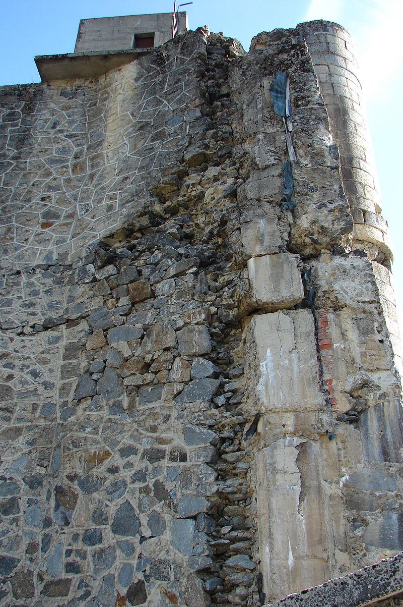 Detalle de los materiales de construcción de la presa de Vega de Tera (Zamora).