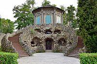 Veitshöchheim - Hofgarten - Grottenhaus mit Belvedere.jpg