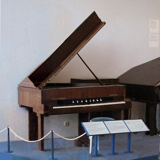 Electric grand piano - Image: Vierlang Forster electric piano (1937)