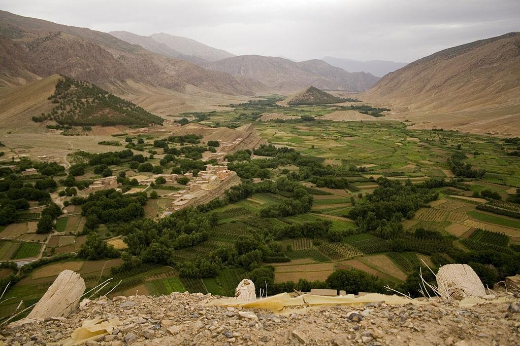 Vista desde un granero comunal cerca de Tabant. Fuente