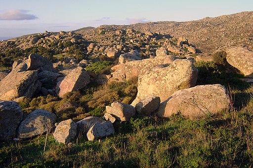Volax Tinos boulder 02
