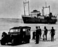 Vor Tasmanien havarierter Frachter Merino, 29. Dezember 1952, Sicht von Land.PNG
