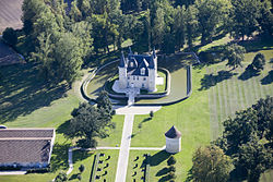 Vue Aérienne du Château D'Agassac.jpg