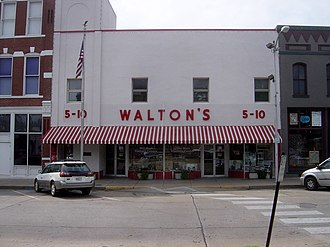 Walmart - Sam Walton's original Walton's Five and Dime store in Bentonville, Arkansas, now serving as The Walmart Museum, seen in September 2006