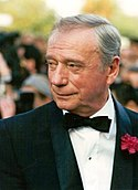 Yves Montand Cannes.jpg