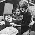 Zangeressen, muziekprijzen, Anneke Grönloh, Bestanddeelnr 919-5902.jpg