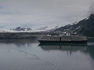 MS Zuiderdam - Zuiderdam in Glacier Bay, Alaska