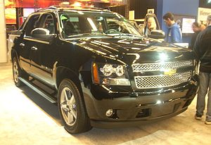 '08 Chevrolet Avalanche (Montreal).jpg