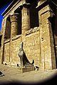 Ägypten 1999 (167) Tempel von Edfu (27753970016).jpg