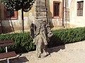 ČL 12 socha.JPG