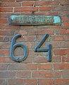 Житловий будинок, вул. Італійська (Дюміна), 64. старі номер та табличка.jpg