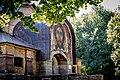 Церковь Сошествия Святого Духа фасад фреска.jpg