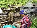 رنگزای طبیعی لباس پشمی و نخ ریسی ، زن هنرمند – تیکسر - اطاقور.jpg