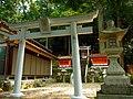 岩神社 宇陀市大宇陀栗野 Iwa-jinja 2012.5.10 - panoramio (1).jpg