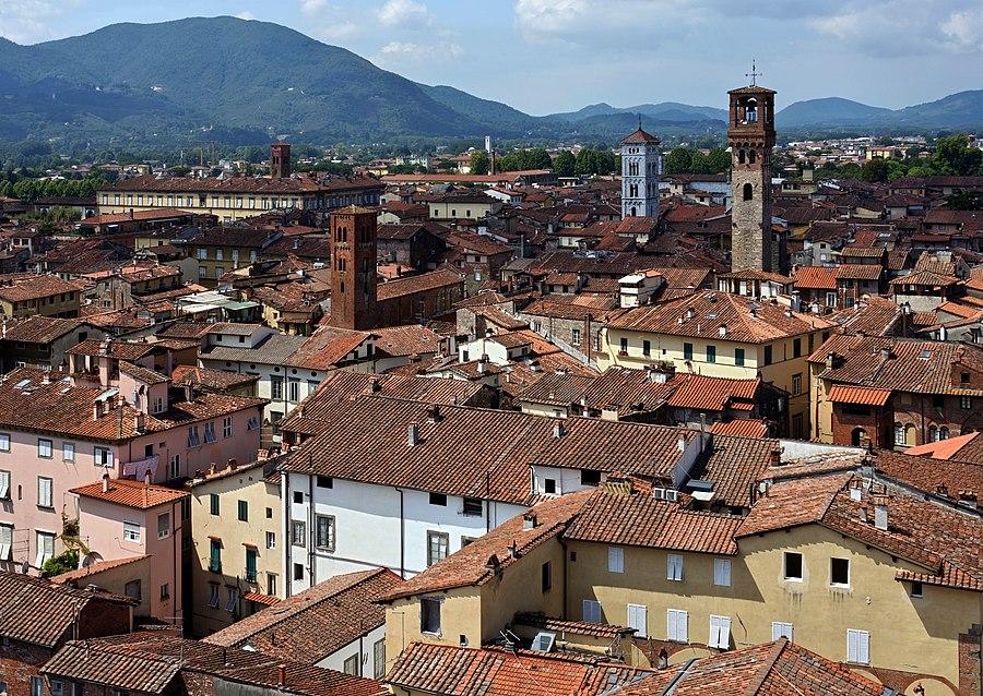 02 Lucca seen from Torre Guinigi