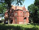 Fabrikantenvilla mit Villengarten einschließlich seiner historischen Einfriedungen