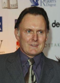 Robert Glenister