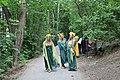 108 Beroun pod Městskou horou děvčata s obleky.jpg