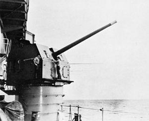 "5""/54 caliber Mark 16 gun - Image: 127mm L54 gun on USS Midway (CVA 41) c 1964"