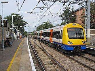 South Tottenham railway station - Image: 17.08.11 South Tottenham 172.003 (6169078276)
