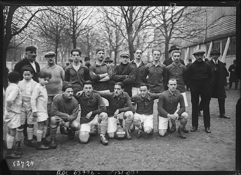 File:1921, Parc des Princes, football association, équipe de France.jpg