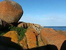 Granite Island--20040610 Granite Island Boulders