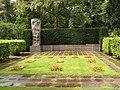 2006-07-30 Urnenfriedhof Seestr.jpg