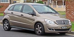 2007 Mercedes-Benz B 180 CDI (W 245 MY07) hatchback (2010-06-17) 01.jpg