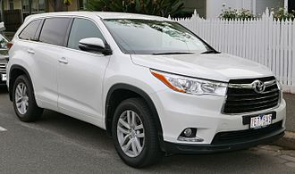 Facelift (automotive) - Image: 2015 Toyota Kluger (GSU55R) GX wagon (2015 11 11) 01