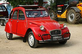 2 CV Rouge - Flickr - besopha.jpg