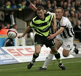 Niall McGinn - McGinn clashing with a St Mirren player with the ball.