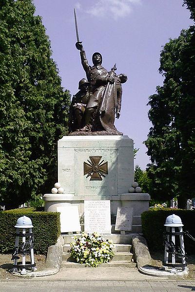 Monument aux Morts - Cimetière du Centre, rue de Leers, 59 Wattrelos