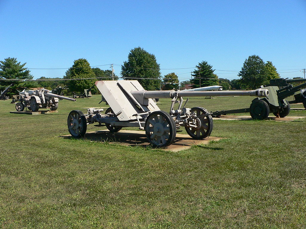 photo of 8.8cm Pak 43 from By Mark Pellegrini - Own work, CC BY-SA 2.5, https://commons.wikimedia.o