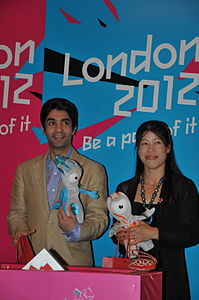 Abhinav Bindra and Mary Kom - British High Commission, Delhi, 27 July 2011.jpg