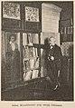 Adam Münchheimer przy swojej bibliotece (68755).jpg