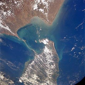 Adam's Bridge - NASA satellite photo: India on top, Sri Lanka at the bottom of the photo